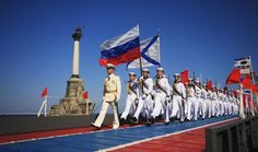 Russian sailors march during celebrations to mark Navy Day in the Crimean port of Sevastopol July Mein Land, Navy Day, Boxing Fight, Tough Mudder, Commonwealth Games, Current Events, Statue Of Liberty, Ukraine, Russia