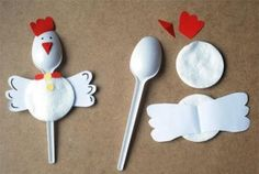 plastic spoon chicken craft (1)