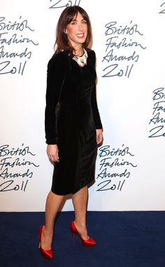 EVENING : a very simple black dress with great coverage, given the interest factor by a great necklace and great satin coloured shoes. Samantha Cameron, Holly Fulton, Party Organization, Velvet Midi Dress, Simple Black Dress, Satin Color, Modest Fashion, Style Icons, Interview