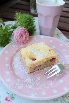 Erdbeer-Rhabarberkuchen mit Vanille-Quark Guss