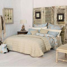 Long Island Wohnstil: Einrichtung des Schlafzimmers: Schlafzimmer in Creme, Weiß und Blau - Wohnen Garten