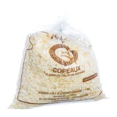 "Gentle flakes (or in French, ""copeaux"") of Savon de Marseille are perfect for a soft fragrant bath, delicate fabric care or to offer to guests like soap petals."