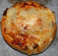 Pizzasnurrer Baked Potato, Potatoes, Meat, Chicken, Baking, Ethnic Recipes, Food, Potato, Bakken
