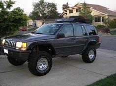 Buen diseño de tolvas y otra gran canastilla Jeep Zj, Jeep Grand Cherokee Laredo, Cool Jeeps, Chevrolet Malibu, Jeep Stuff, Rubicon, Jeep Life, Cafe Racers, Rigs