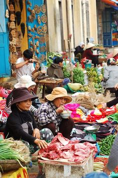 Hoi An market, Vietnam Please like, repin or follow on Pinterest to have more interesting things. Thanks. http://www.exoticvoyages.com/vietnam/luxury-travel #market #Hoian