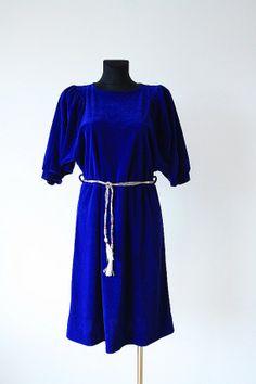 Vintage 1980s navy blue / indygo puff-sleeved midi velvet dress