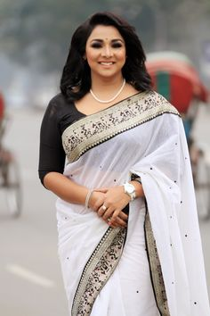 Beautiful Girl Indian, Most Beautiful Indian Actress, Beautiful Actresses, Beautiful Women, Indian Actress Hot Pics, Indian Actresses, Bollywood Designer Sarees, Bollywood Saree, Bollywood Fashion