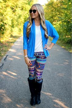 I prefer LONG shirts with my leggings. Fall Winter Outfits, Autumn Winter Fashion, Fall Fashion, Style Me, Mommy Style, Passion For Fashion, Dress To Impress, Clothes For Women, Fall Clothes