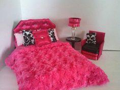 Puppe-Möbel für Barbie Blythe Monster High von NanasDollFurniture                                                                                                                                                                                 Mehr