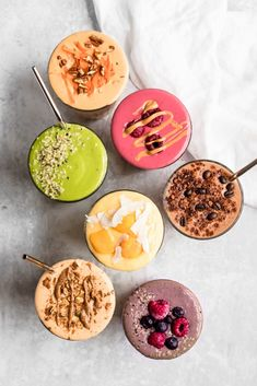 Easy, healthy smoothie recipes to make for breakfasts and snacks! You'll find green smoothies, high protein smoothie recipes, and more. High Protein Smoothies, Protein Smoothie Recipes, Fruit Smoothies, Breakfast Smoothies, Healthy Breakfast Recipes, Healthy Snacks, Healthy Scones, Health Breakfast, Free Breakfast