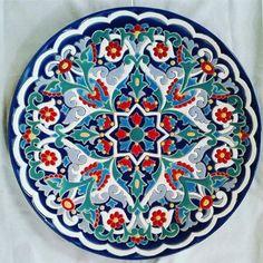 Mandala do dia #cordaseca #ceramique #arteembh #compredequemfaz #cerâmica #ceramics #cerâmicaartesanal #mandala #mandaladodia #feitoàmão #atelierdecerâmica #ateliê #auladeceramica