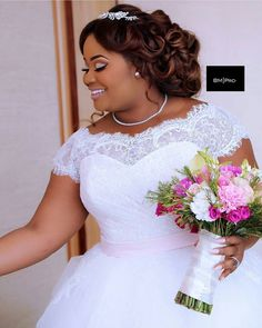 20 African American Wedding Hairstyles on Natural Hair Natural Hair Wedding Styles African American Hairstyle For Wedding Day, Natural Wedding Hairstyles, Natural Hair Wedding, Bridal Hairstyles, Plus Size Brides, Plus Size Wedding Gowns, African Fashion Dresses, African Dress, Bridal Dresses
