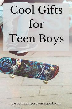 Finding just the right gift for teenage boys isn't always easy. Check out these cool present ideas for your teen boy. Finding just the right gift for teenage boys isn't always easy. Check out these cool present ideas for your teen boy. Unique Gifts For Boys, Gifts For Teen Boys, Tween Gifts, Parent Gifts, Cool Presents, Presents For Boys, Board For Kids, Best Gifts, Fun Gifts