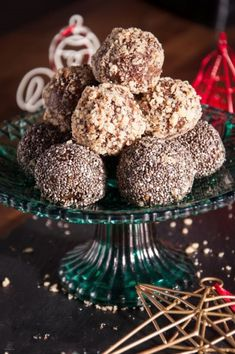 (c) All rights reserved Vegan Energy Balls, Greek Christmas, Bliss Balls, Greek Recipes, Christmas Cookies, Cooking Recipes, Sweets, Baking, Healthy