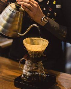 Tucano Coffee Global (@tucanocoffee.global) • Фото и видео в Instagram V60 Coffee, Coffee Maker, Video, Instagram, Accessories, Coffee Maker Machine, Coffee Percolator, Coffee Making Machine, Coffeemaker