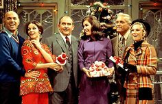 mary tyler moore show Christmas episodes | The Mary Tyler Moore Show cast Christmas Tv Shows, Christmas Episodes, Christmas Past, Vintage Christmas, Christmas Specials, Christmas Movies, Christmas Holidays, Old Tv Shows, Best Tv Shows