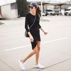 "Christine Andrew op Instagram: ""Weekends = hat + sneaks {dress is on sale @ilycouture under $40} #tgif #weekendstyle"""