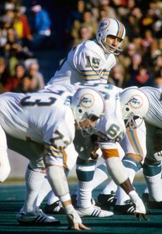 Miami Dolphins QB and Michigan State Hall of Famer Earl Morrall at the line of scrimmage against the Patriots at Foxboro in 1972. #RIP #PhinsUp | Click Here to see comment and related comments on SPORTS195