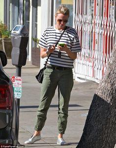 Naomi Watts- casual style