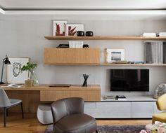 Otimizando espaços  home office  sala de tv  {Por Diego Revollo} #homeoffice #salatv #design #decoração  Work space in the living room by Diego Revollo