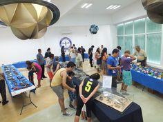 International Plastic modelers Society y El Club de Modelismo Estático de Cancún llevaron a cabo su exhibición de mas de 200 modelos de diferentes escalas  de autos modernos y clásicos, aviones, jets y modelos de la segunda guerra mundial como Barcos y Tanques de Guerra, Portaviones y submarinos. Un mundo a escala; Todo esto en el salón de los planetas del Ka´Yok´ de cancún.