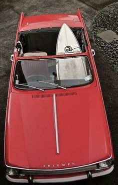 Wasn't in the or but my first car was a pillar box red Triumph Herald 1360 Triumph Motor, Good Looking Cars, Triumph Spitfire, British Sports Cars, Top Cars, Bike Design, Vintage Motorcycles, Surfers, Coventry