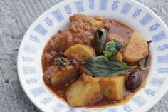 Baccala (Italian Fish & Potatoes in tomato sauce), http://www.youtube.com/watch?v=ipz4lKTmms0&list=UUclkVB3G6xrjoi4Hp9P77gw