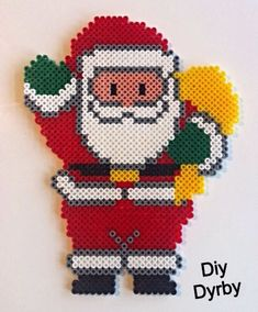 Christmas Santa hama beads by Lone Dyrby - Pattern: http://www.pinterest.com/pin/374291419002260657/