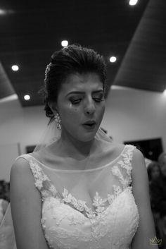 Black and white portrait, bride . Wedding. Brazil. Brasilia. See more: www.willydesouza.com