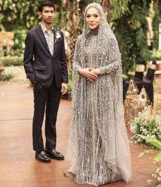 51 Ideas for wedding boho ideas gowns Kebaya Wedding, Muslimah Wedding Dress, Wedding Dressses, Muslim Wedding Dresses, Muslim Brides, Wedding Hijab, Bridal Dresses, Wedding Gowns, Muslim Couples