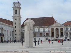 Universidade de Coimbra em Portugal. A Torre da Universidade foi edificada entre 1728 e 1733. Obra do,arquiteto italiano António Canevari foi erguida em substituição a que lá existia. É uma marca da Universidade. Foto: Cida Werneck