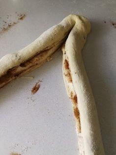 Kakkuviikarin vispailuja!: Pullat Banana, Fruit, Food, Essen, Bananas, Meals, Fanny Pack, Yemek, Eten