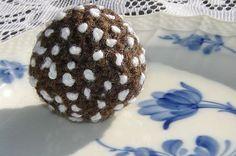 Chokladboll med pärlsocker   Design by El Ninjo