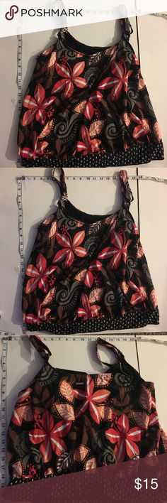 30% Off Bundles Liz Claiborne Tankini Excellent condition. No tears, stains or marks. Combine with any item with a ✅ for a $15 bundle or add three more items for 30% Off Bundles. Liz Claiborne Swim Bikinis