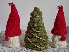 Neulottu joulukuusi ja tontut