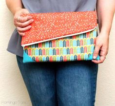 simple casual fold-over clutch - tutorial by flamingotoes