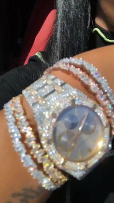 Cute Jewelry, Body Jewelry, Jewelry Accessories, Mode Kylie Jenner, Icy Girl, Fashion Jewelry, Women Jewelry, Expensive Jewelry, Diamond Are A Girls Best Friend