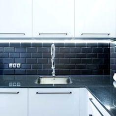 Lirowa industrialna kuchnia od kodo projekty i realizacje wnętrz industrialny   homify Barcelona, Sink, Home Decor, Arrows, Sink Tops, Vessel Sink, Decoration Home, Room Decor, Vanity Basin