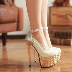 sexy! - Find 150+ Top Online Shoe Stores via http://AmericasMall.com/categories/shoes.html