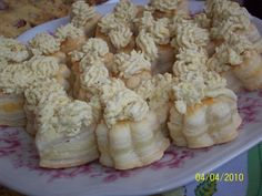 dvojité jednohubky (listové těsto,tvrdý sýr,pomazánka)