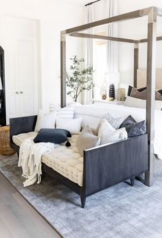 Master Bedroom Interior, Home Interior, Home Decor Bedroom, Bedroom Office, Bedroom Modern, Master Bedrooms, Bench For Bedroom, Cozy Master Bedroom Ideas, Bedroom Wall