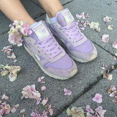 3 Judicious Cool Ideas: Vans Shoes Suede sport shoes running. Cool Ideas, Creative Ideas, Diy Ideas, Stilettos, Jordan Shoes, Sneakers Reebok, Adidas Shoes, Converse Shoes, Louboutin Shoes