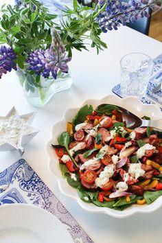 Grilluð Tandoori lambalund með salati, nanbrauði og raita