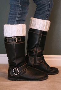 Boot cuff with mock cables loom knit