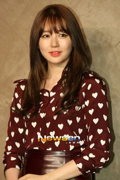 Yoon Eun Hye Take a look @ sune_salon lookbook-->http://alturl.com/hff7m