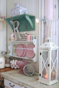Lavender house: INTERIOR IN PASTEL