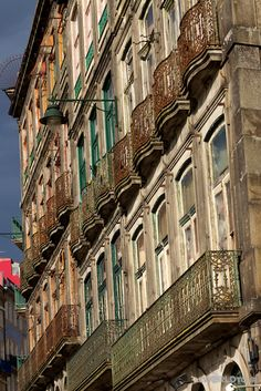 Photo Essay: Porto, Portugal - by Lisa Lubin, LLWorldTour 21.08.2012 | Porto is the second largest city in Portugal and one of Europe's oldest centers as it was an outpost of the Roman Empire in the 4th century. It is also world-famous for it's namesake wine.