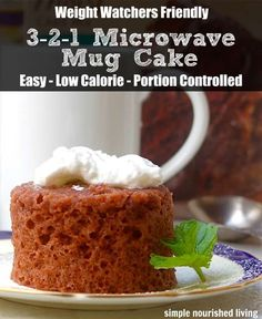 Weight Watchers 3 2 1 Microwave Mug Cake Weight Watchers Microwave Mug Cake, a simply delicious way to satisfy your sweet tooth in minutes with just 80 calories, 2 Points Plus, 3 SmartPoints Regime Weight Watcher, Weight Watchers Points, Weight Watchers Desserts, Low Calorie Desserts, Ww Desserts, Low Calorie Recipes, Healthy Recipes, Diet Recipes, Vegetarian Recipes