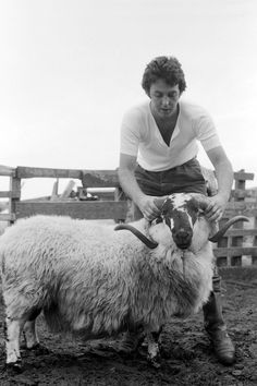 Paul McCartney Ram And Their Photographer Linda RAM