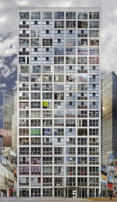 Jean-François Rauzier is a French artist who has a personal way to explore architecture. In his series entitled Babels, he imagines crazy buildings by piling several identical buildings or with a similar architecture.